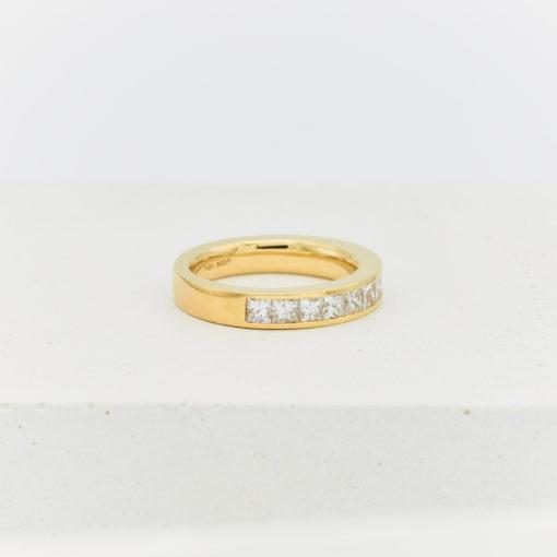 eden-yellow-gold-ring