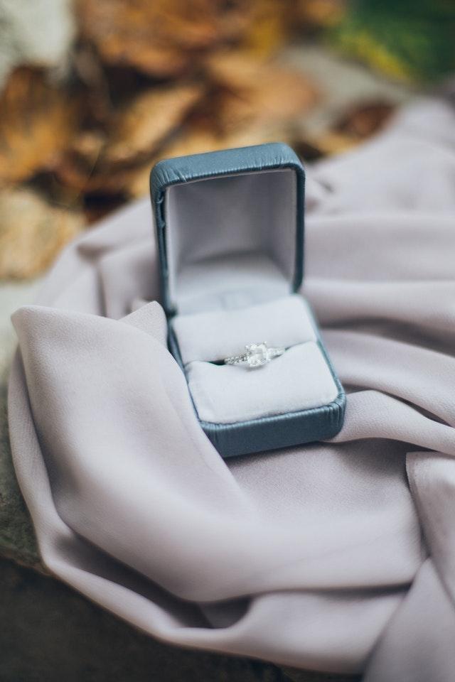 diamond-ring-real