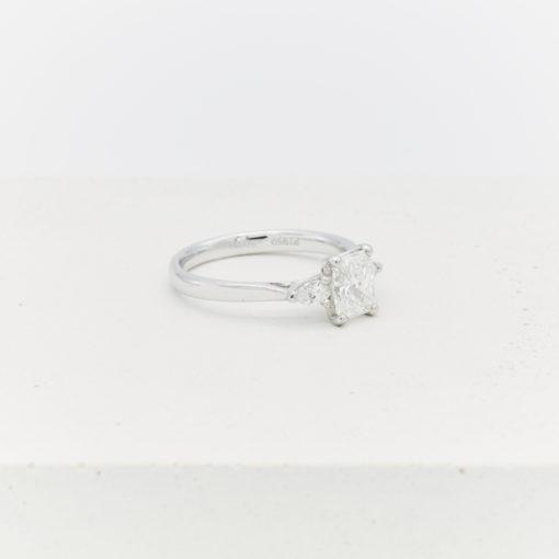 mona-ring