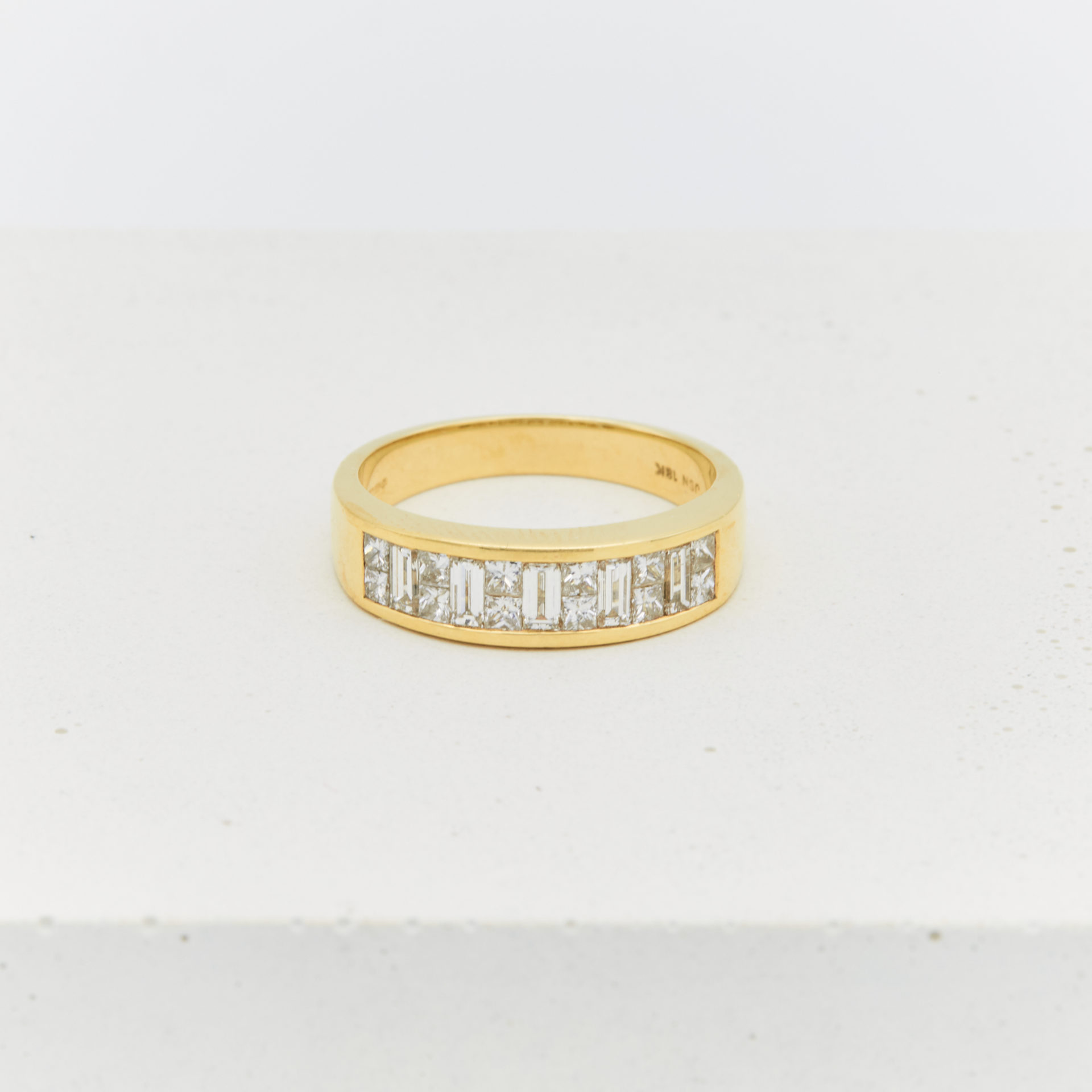 anais-yellow-gold-ring