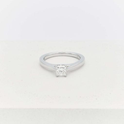 single-diamond-ring