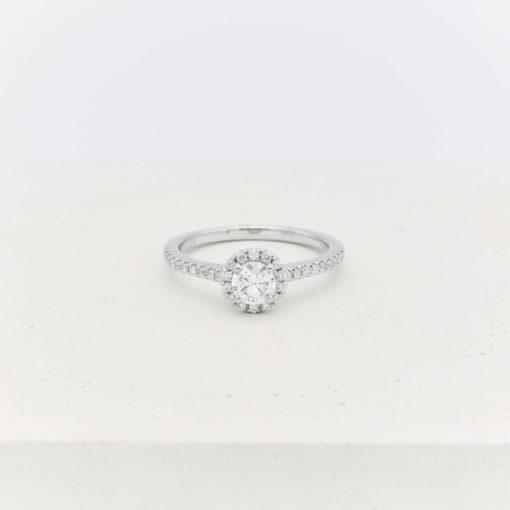 solitaire-diamond-shoulders