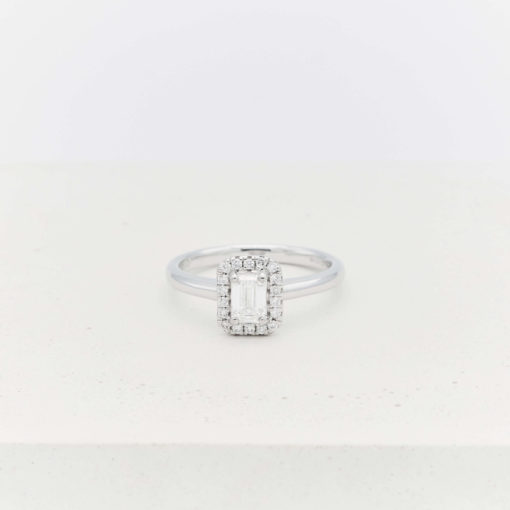 halo-emerald-ring