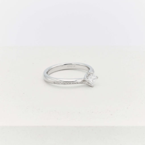silver-diamond-ring