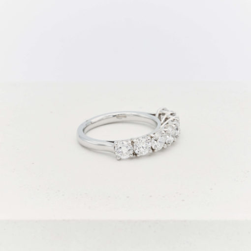 silver-diamond-ring