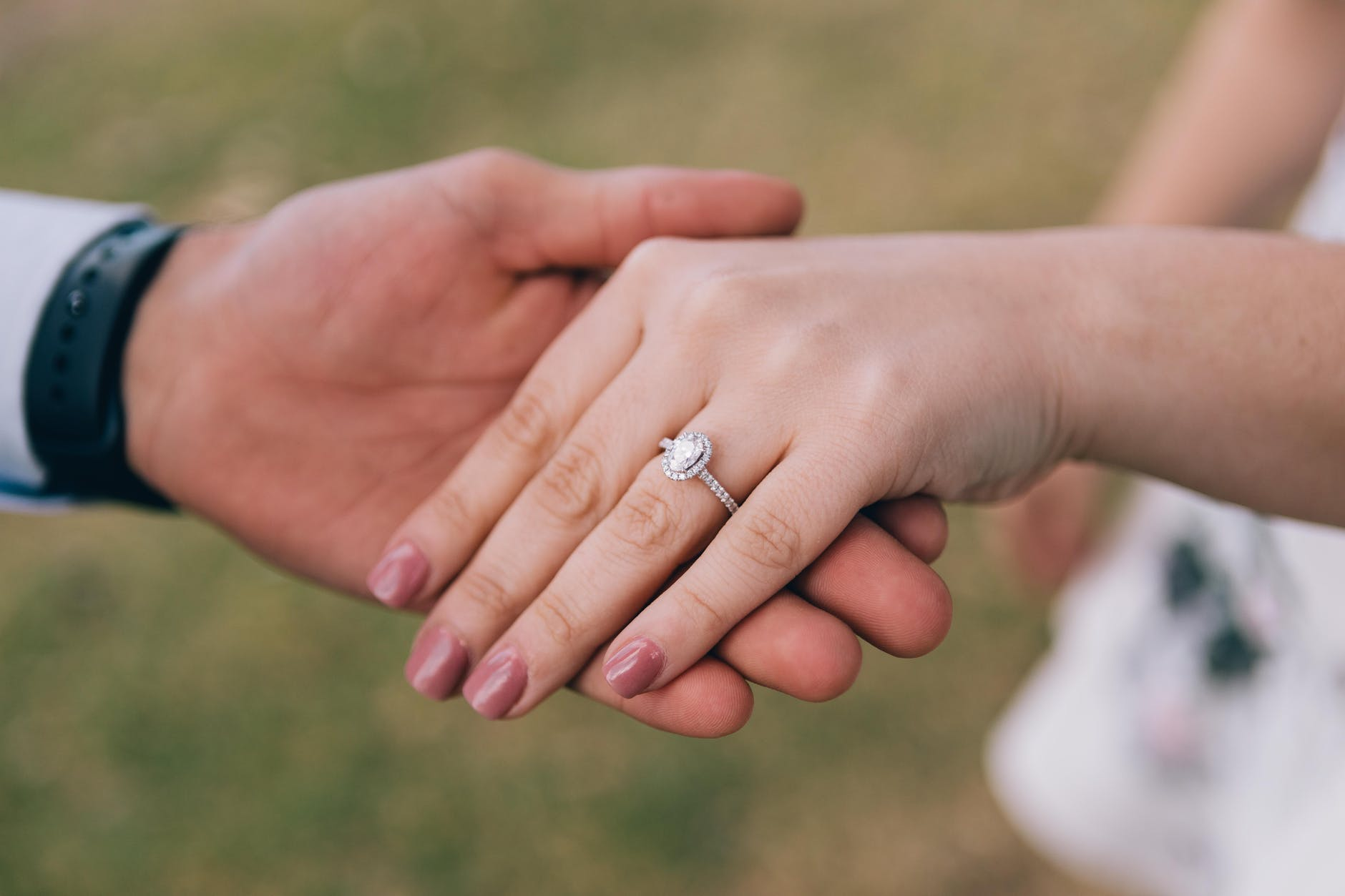 engagement-ring-black-friday